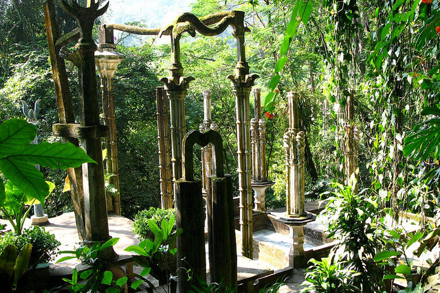 Las pozas xilitla the exotic garden in mexico the for Jardin surrealista xilitla