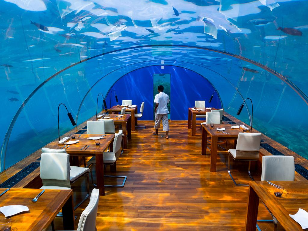 Ithaa Underwater Restaurant in Maldives2
