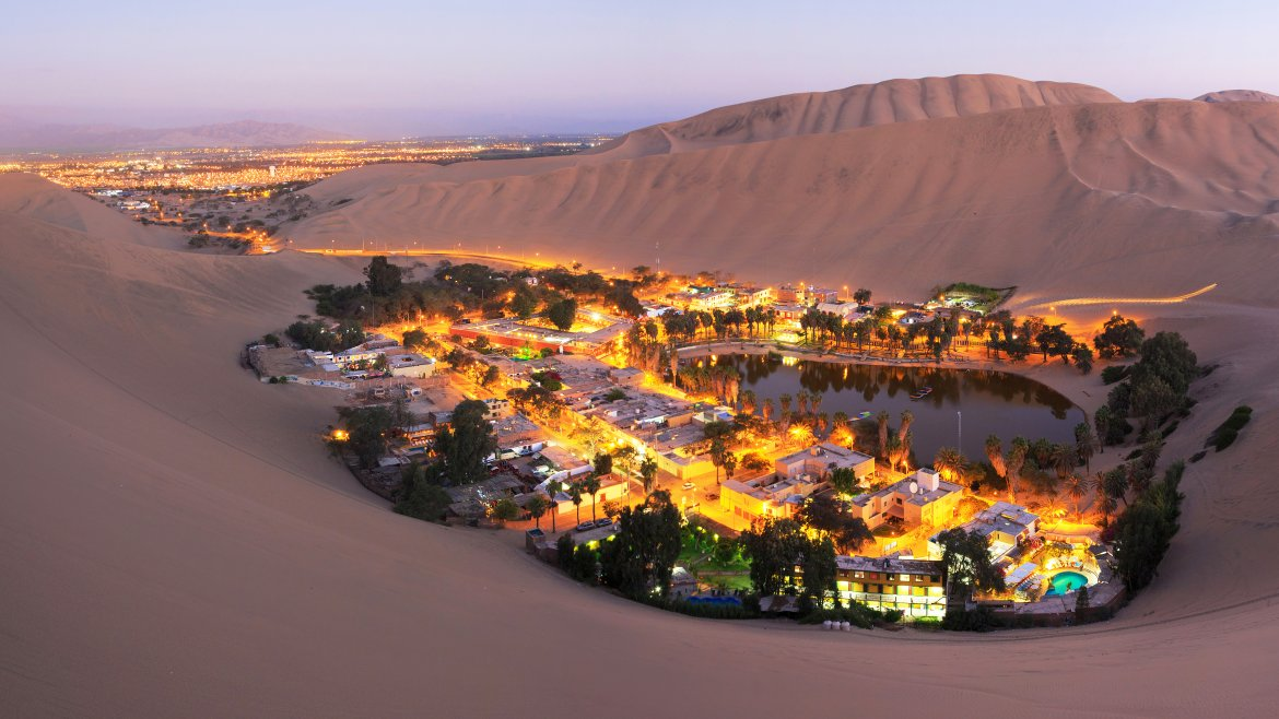 Huacachina Oasis in Peru2